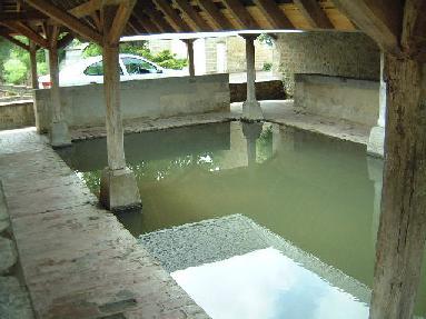 Le lavoir de Fontenay-le-Pesnel